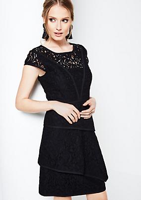 Glamouröses Abendkleid aus zarter Spitze