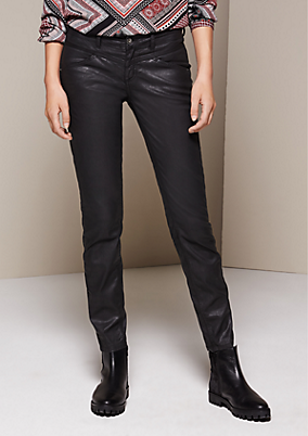 Jeans mit matt glänzender Beschichtung