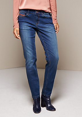 Klassische Jeans mit glitzerndem Paillettenbesatz