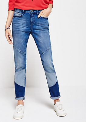 Klassische Jeans mit Patches