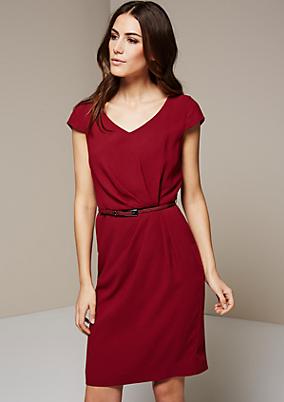 Klassisches Abendkleid mit feinem Faltenwurf