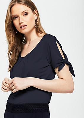 Kurzarmshirt aus Jersey mit raffinierten Details
