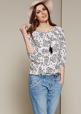 Lässige 3/4-Arm Bluse mit fein gestaltetem Alloverprint