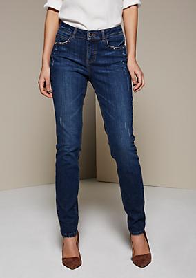 Lässige Jeans mit Destroyed-Effekten