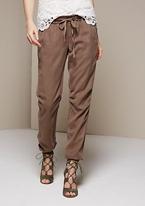 Leichte Loungepants mit feinen Detailarbeiten
