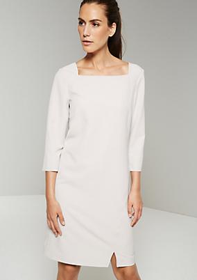 Minimalistisch gehaltenes Kleid mit tollen Detailarbeiten
