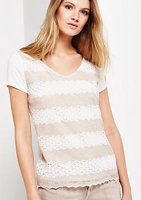 Sommerliches Kurzarmshirt aus Jersey mit glamourösem Spitzenbesatz