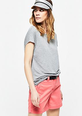 Sommerliches Strickshirt mit kurzen Ärmeln