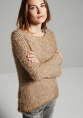 Winterlicher Strickpullover im Two-Tone Look