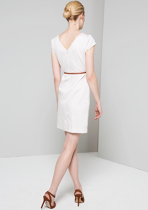 Ausdrucksstarkes Abendkleid mit elegantem Minimalmuster