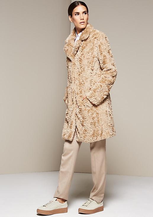 Edler Mantel aus kuscheligem Fake-Fur