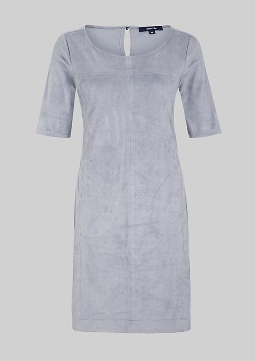 Edles Abendkleid im aufregenden Materialmix