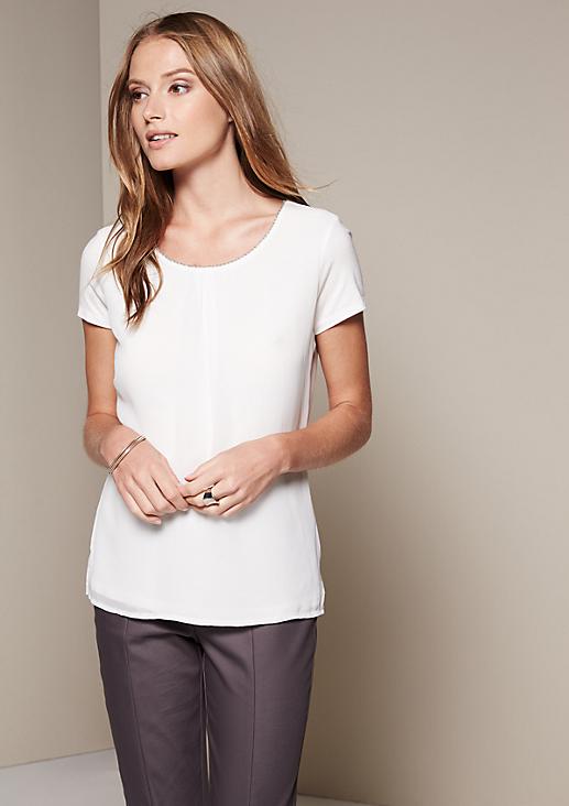 Edles Shirt im raffinierten Materialmix