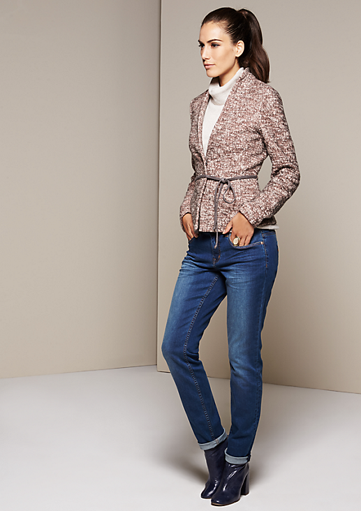 Eleganter Blazer mit schmalem Gürtel