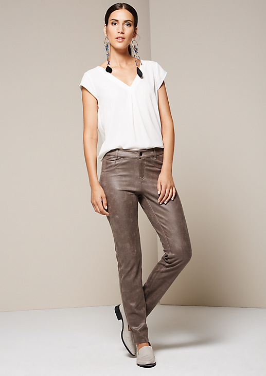Extravagante Jeans aus weichem Fake-Leder