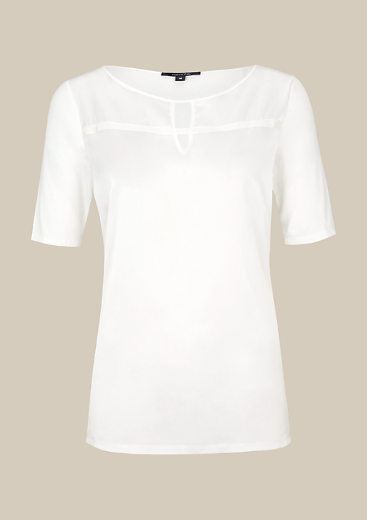 Extravagantes Kurzarmshirt im raffinierten Materialmix