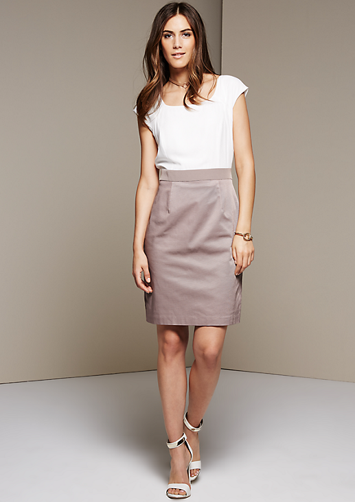 Feines Abendkleid in Two-Tone-Optik