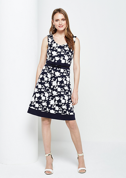 Feines Abendkleid mit filigranem Alloverprint