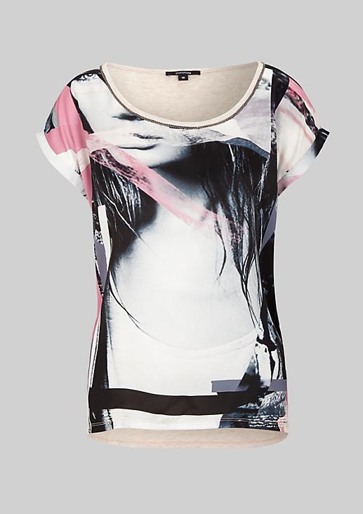 Feines Kurzarmshirt mit elegantem Frontprint