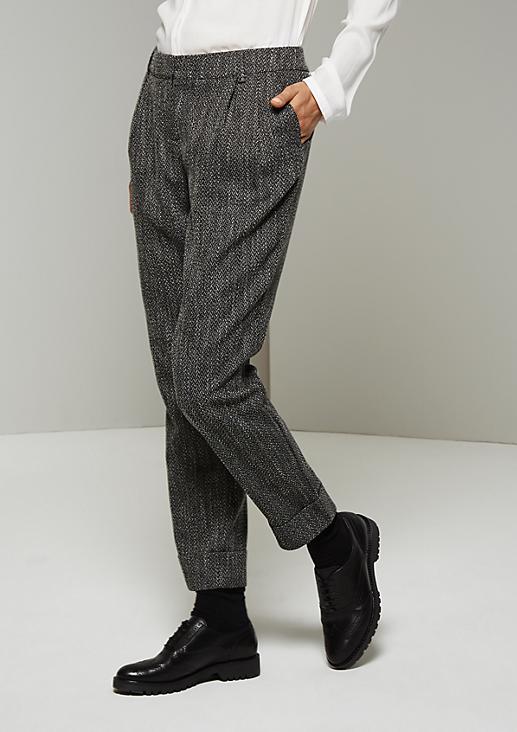Feminine Pants mit klassischem Fischgrät-Muster