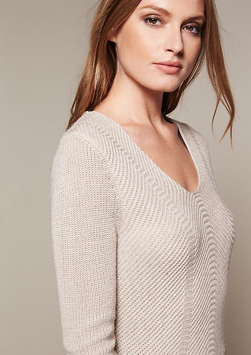 Femininer Strickpullover im schönen Musterspiel