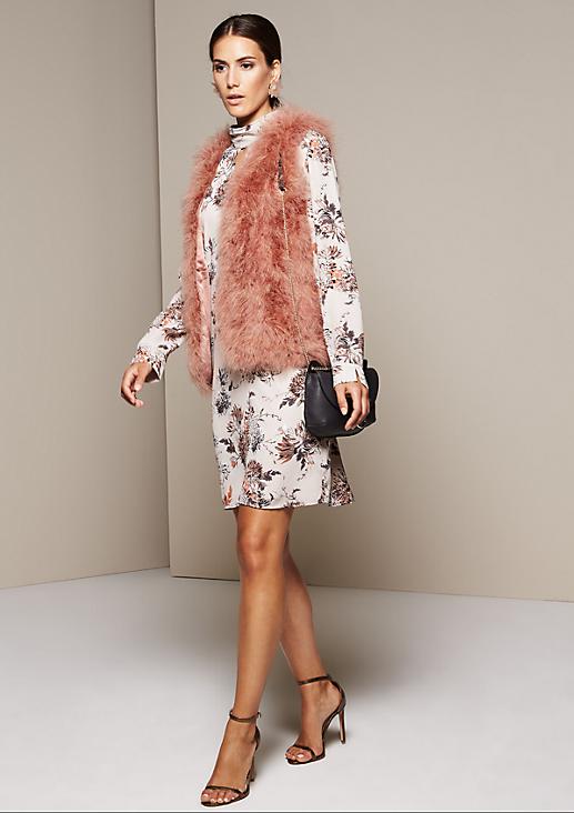 Glamouröse Weste mit extravaganten Details