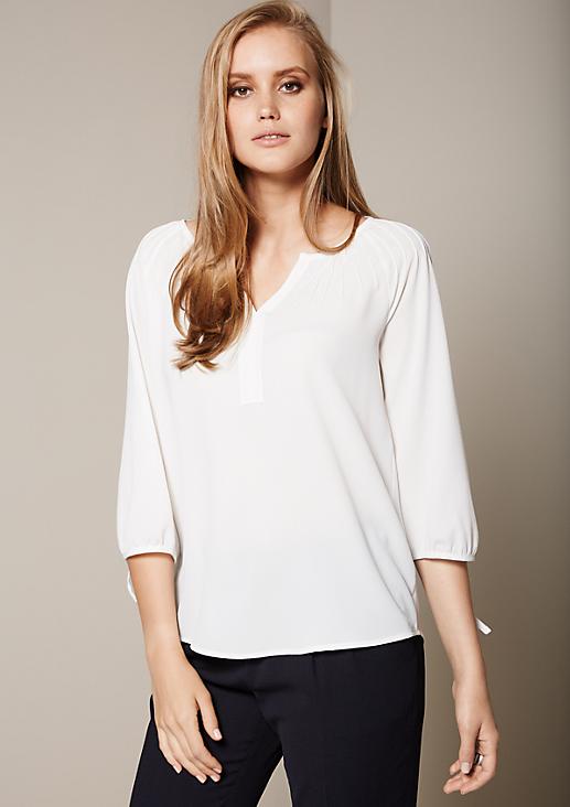 Leichte 3/4-Arm Bluse mit umfangreichem Biesenbesatz