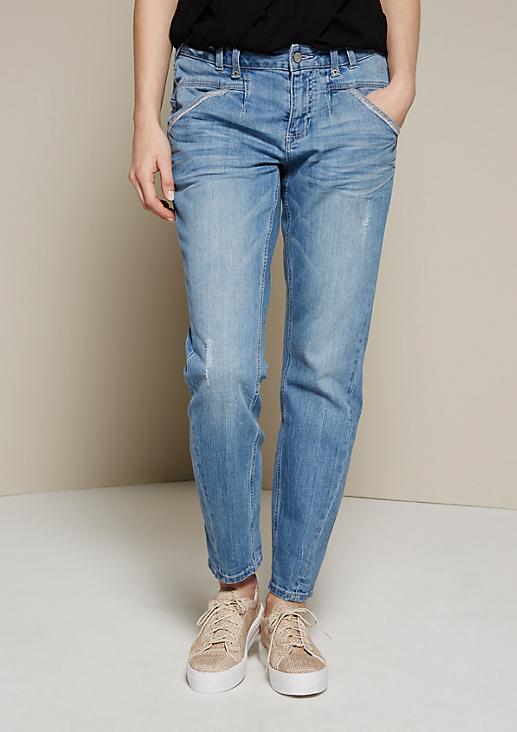 Leichte Boyfriend-Jeans in schöner Used-Optik