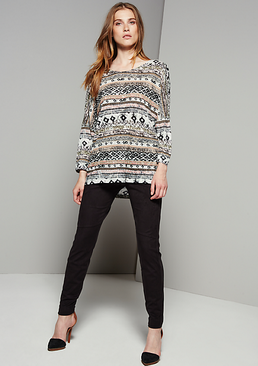 Leichtes 3/4-Arm Shirt mit aufwendig gestaltetem Muster