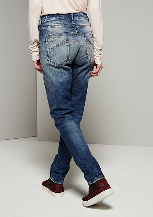 Schöne 5-Pocket Jeans in rauer Used-Optik