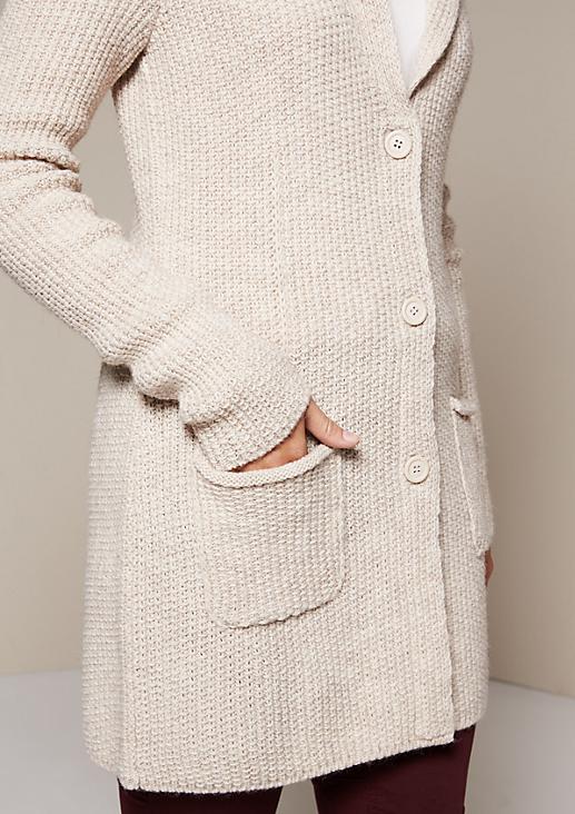 Schöne Longstrickjacke mit raffinierten Details
