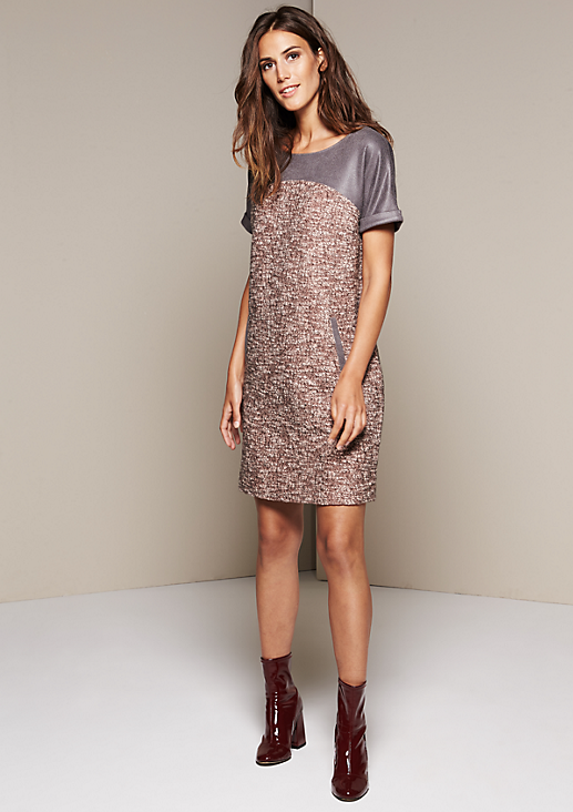 Schönes Wollkleid mit Fake-Leder Besatz