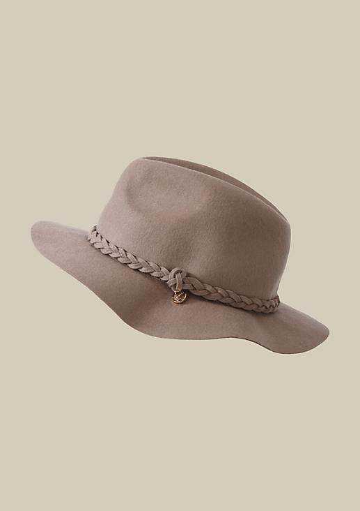 Smarter Filzhut mit geflochtenem Hutband