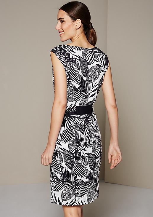 Sommerliches Jerseykleid mit schönem Alloverprint