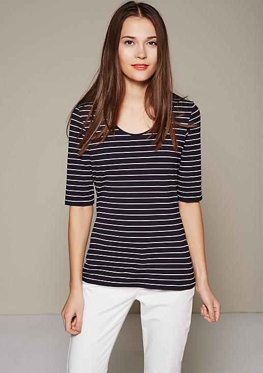 Sportliches 1/2-Arm Shirt mit klassischem Streifenmuster