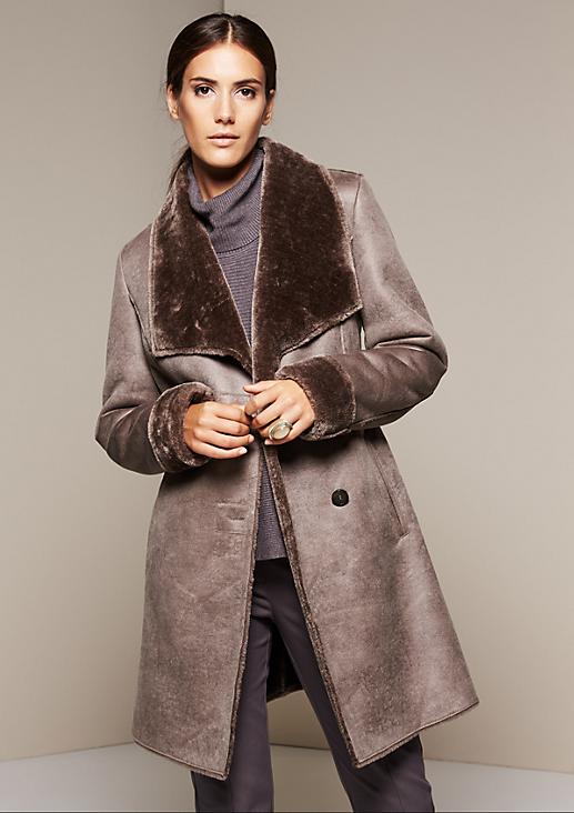 Warmer Velourmantel mit Fake-Fur Futter