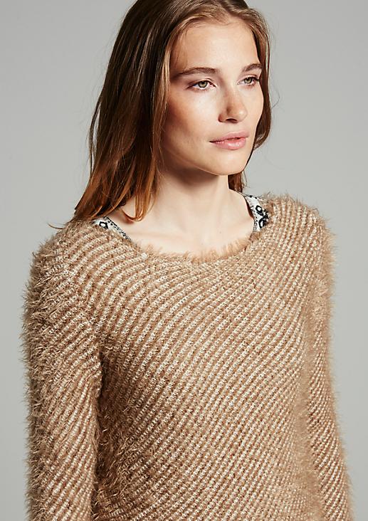 Winterlicher Strickpullover im Two-Tone Look