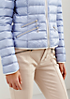 Glamouröse Daunenjacke mit aufregenden Details