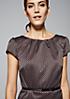 Glamouröses Abendkleid in Jacquard-Optik