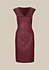 Glamouröses Kleid im aufregenden Materialmix