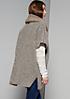 Legere Strickjacke mit feinen Details