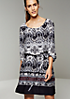 Legeres 3/4-Arm Kleid mit aufregendem Ethnomuster