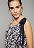 Leichtes Sommerkleid mit abstrakt gehaltenem Floralprint