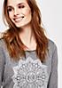 Schönes Longsleeve mit dekorativem Mandala-Muster