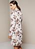 Zartes Chiffonkleid mit liebevoll gestaltetem Allovermuster