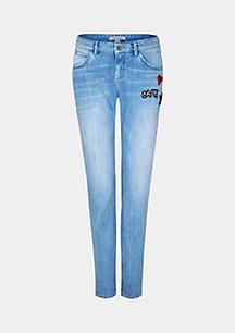 Legere Boyfriend-Jeans mit dekorativen Patches