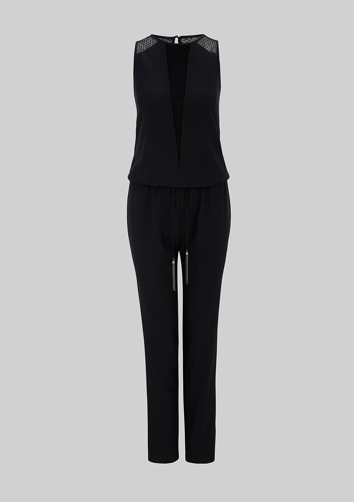 Glamouröser Jumpsuit mit hauchzarten Spitzendetails