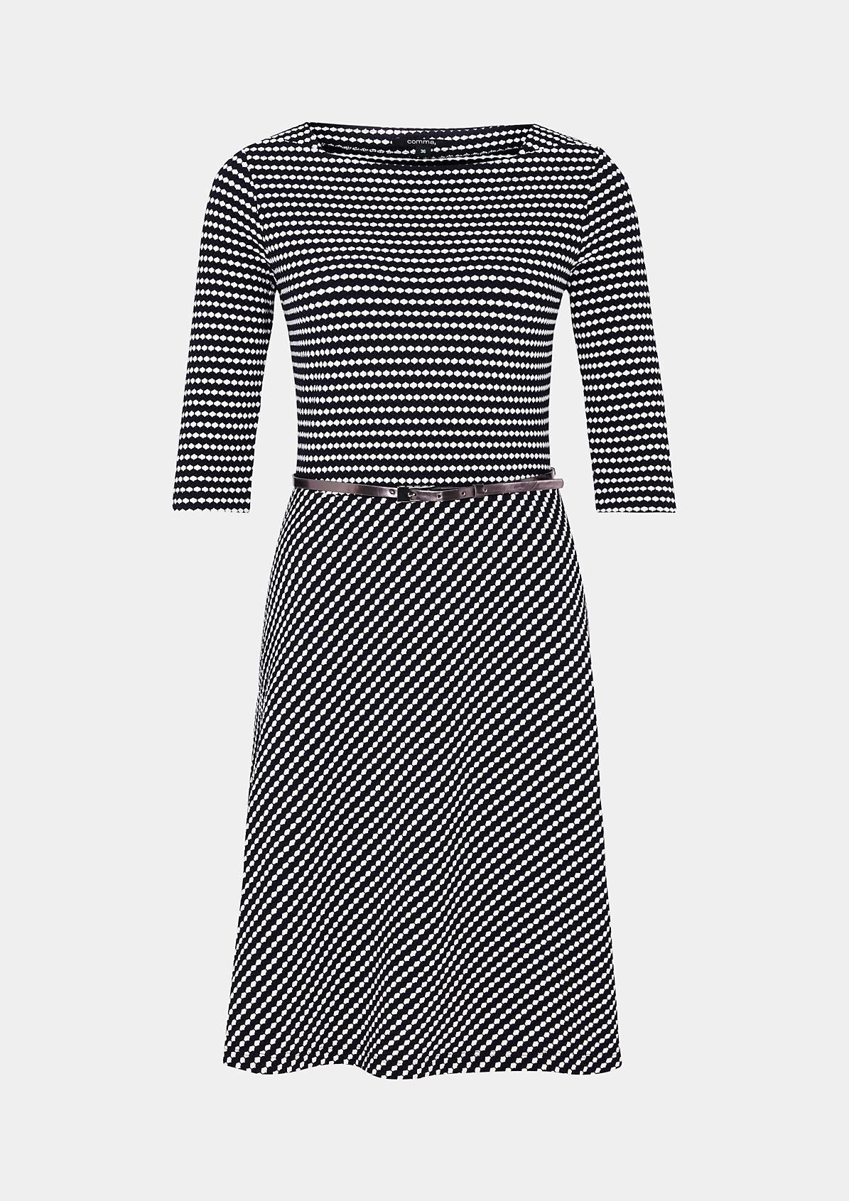 Schönes 3/4-Arm Kleid mit raffiniertem Wabenmuster