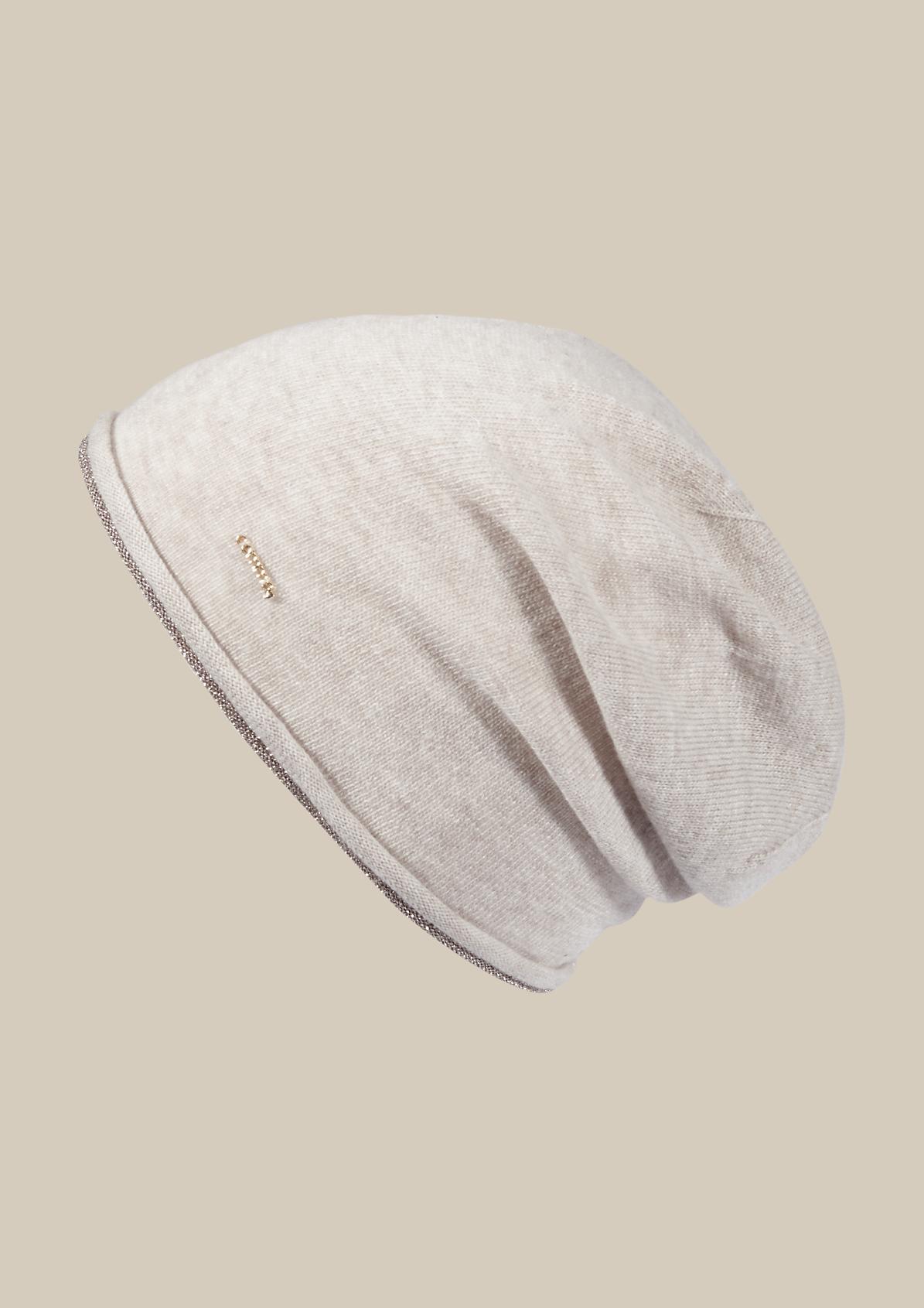 Weiche Strickmütze mit dekorativer Glitzerblende
