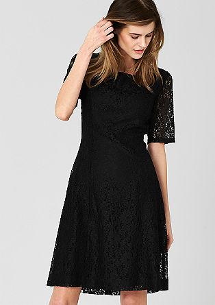 Aansluitende jurk van kant